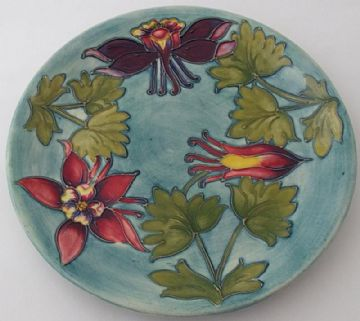 Large Moorcroft Pottery Plate With Floral Design